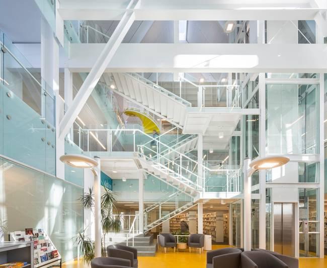 Dan-Hanganu-Cote-Leahy-Cardas-architectes-monique-Corriveau-Library-designboom-04.jpg.650x0_q70_crop-smart